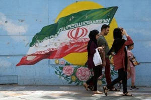 "The Islamic Republic and the people: beyond the ""Je t'Aime, Moi Non Plus"" point?"